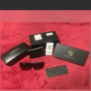 🎉HP🎉Versace Women's Authentic Sunglasses